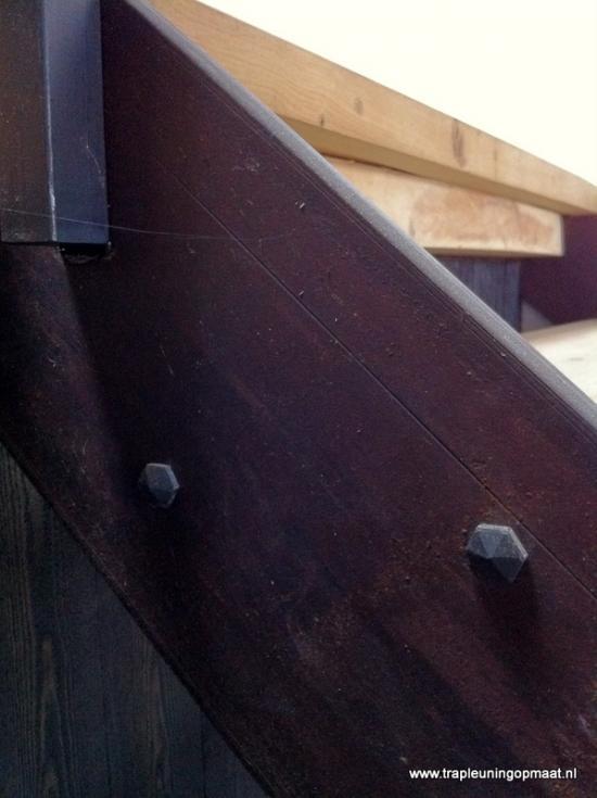 12-detail-van-handgemaakte-bouten