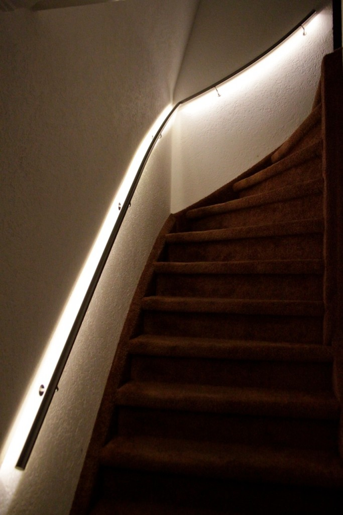 roestvrijstalen trapleuning met led verlichting - Trapleuning op ...