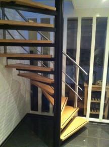 rvs traphek met 2 knieregels